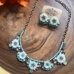 Plunder Necklace & Earrings Floral Blinged Set